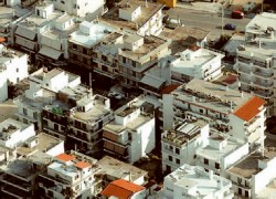 Πτώση στις τιμές ακινήτων στο κέντρο της Αθήνας
