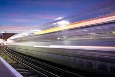 Εκμετάλλευση του ανέμου από την κίνηση των τρένων