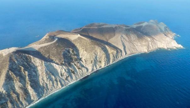 Το πρώτο αιολικό πάρκο σε ακατοίκητη νησίδα
